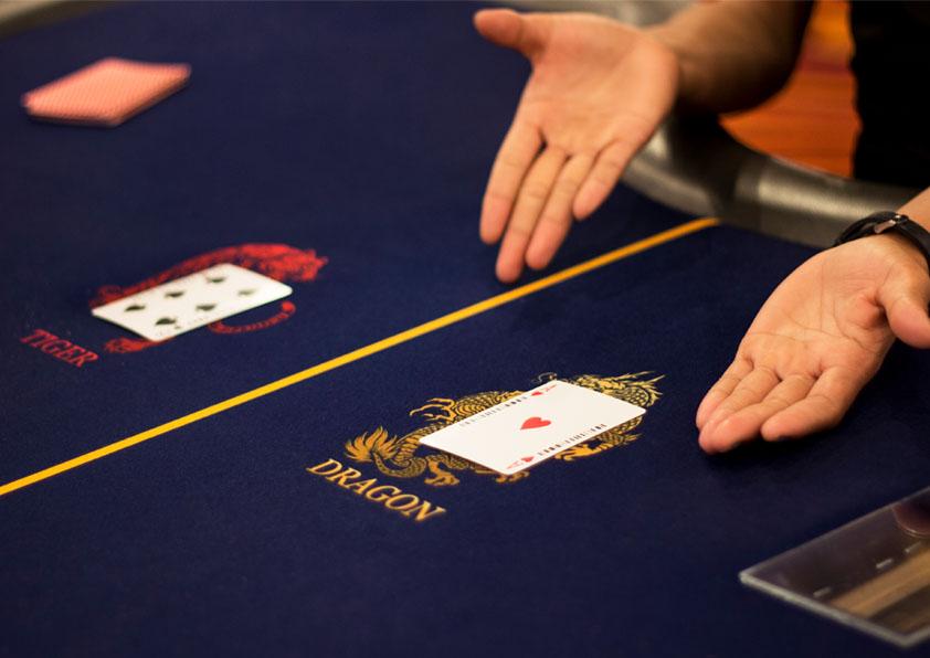 Bagaimana-Cara-Bermain-Dragon-Tiger-Card-Game-Yang-Benar